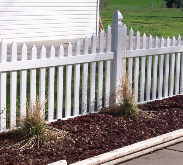 5' Courtyard Picket Fence-282
