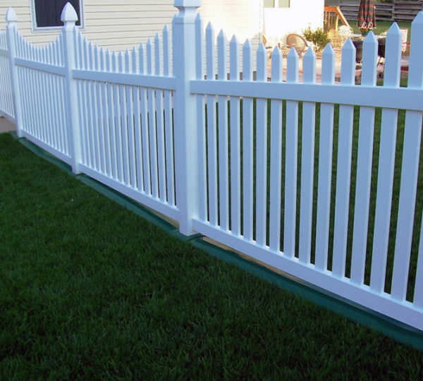 3' Courtyard Picket Fence-271