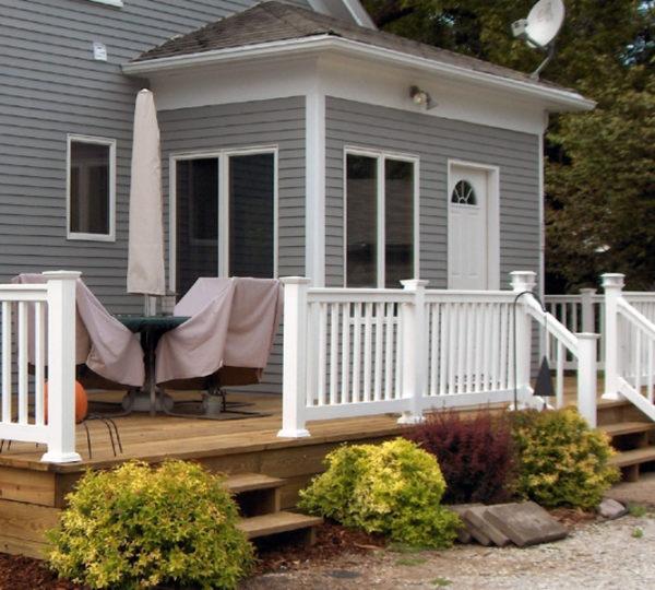 3.5' Denali White Square Railing On Porch