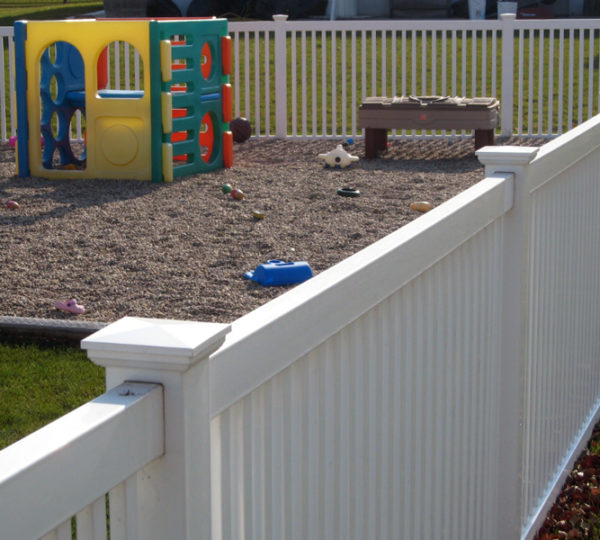 3.5' Lincoln Picket Fence-294