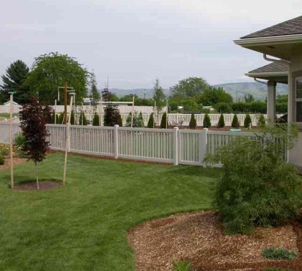 3.5' Springdale Picket Fence-307