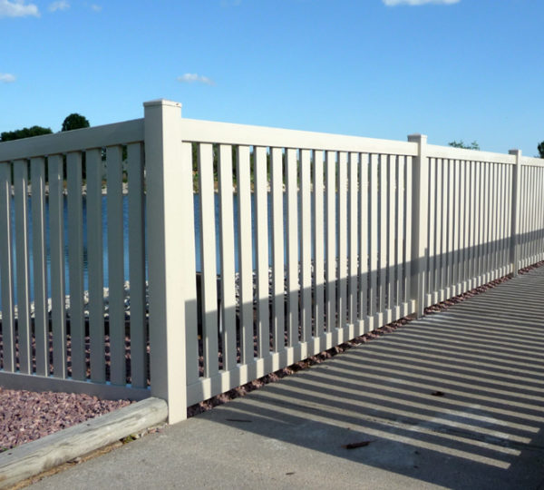 3.5' Town & Country Picket Fence-320