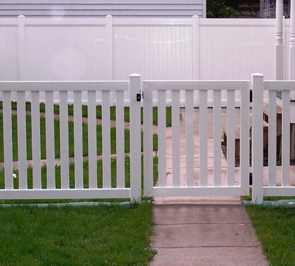4' Town & Country Picket Fence-485