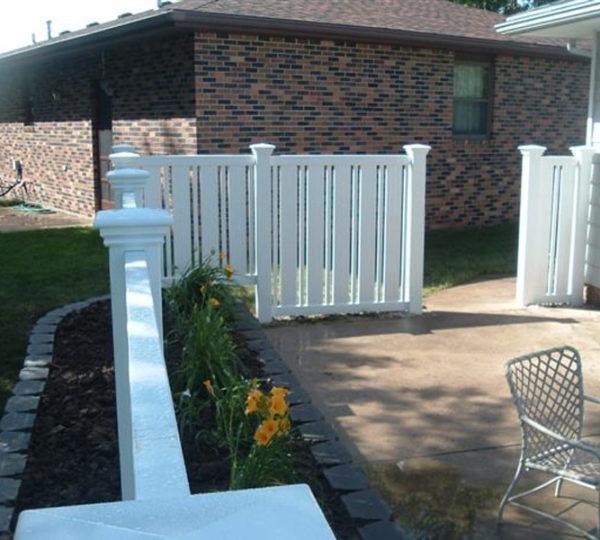Whtie 4' Husker Semi-Privacy Fence in backyard